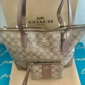 Coach Signature Zip Tote with Matching Wristlet